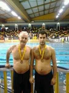 """Ramiro y su padre, también participante del XX Campeonato de España """"Open de Invierno 2014"""" de Natación Master"""